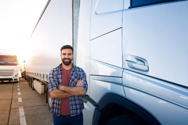Truck Drivers at Higher Risk for Distracted Driving